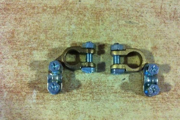 akkumlator-saruk-04BE6E89CC-D60C-DE42-189D-79A55A7779E7.jpg